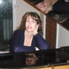 Piano Lessons, Keyboard Lessons, Music Lessons with Anne Hilberts.